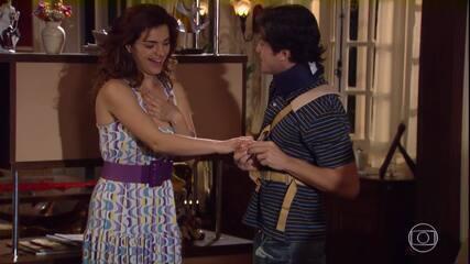 Armandinho pede Desirée em casamento