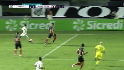 Confira melhores momentos de Santos 0 x 0 Botafogo-SP, com o passe de Emerson que deixou Richard na cara do gol