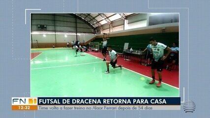 Veja imagens do retorno do futsal dracenense para casa