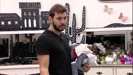 Caio reclama sobre contribuição de brother para as compras : 'Podia ter dado um pouco mais