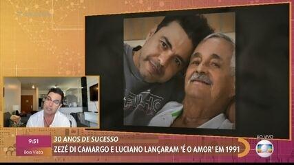 Zezé di Camargo se emociona ao ver imagens de seu pai, falecido em novembro de 2020
