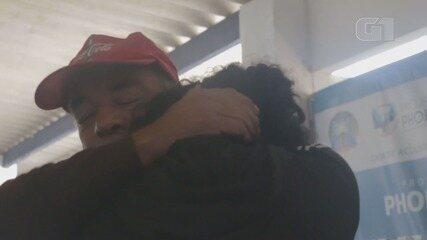Filha encontra pai em Itanhaém após homem desaparecer e se deslocar 170 km a pé