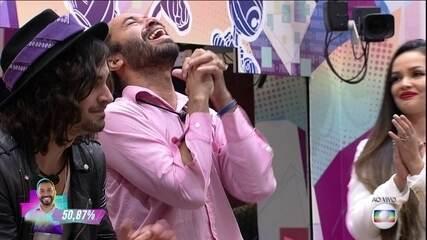 Gilberto é o 16º eliminado do BBB21, com 50,87% dos votos