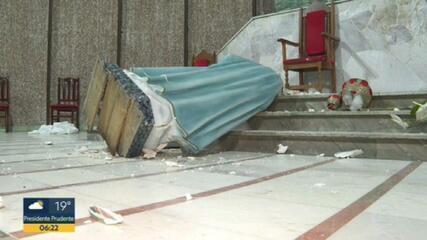 Grupo quebra e destrói imagens de santos de igreja em Osasco