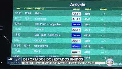 Mais um voo com brasileiros deportados dos EUA chega a Minas Gerais
