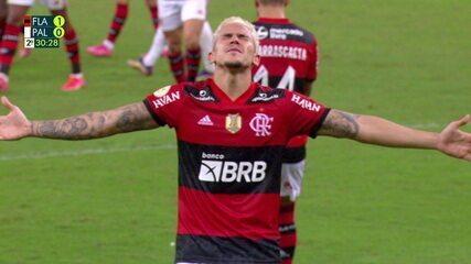 Gol do Flamengo! Bruno Henrique vai à linha de fundo e cruza para Pedro marcar, aos 29 do 2º tempo