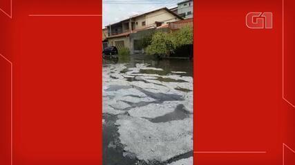 Moradora registra chuva de granizo em Jundiaí; vídeo