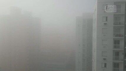 Nevoeiro surpreendeu moradores de Praia Grande, SP