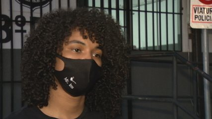 Músico denuncia que foi impedido de se apresentar em igreja devido ao cabelo black power