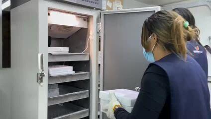 Vacinas da Pfizer são armazenadas em Maceió