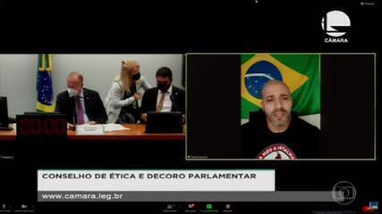 Relator recomenda afastamento do deputado Daniel Silveira por 6 meses