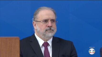 Presidente Bolsonaro anuncia que quer manter Augusto Aras na procuradoria-geral da República