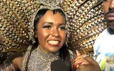 Raissa de Oliveira fala da emoção de representar a bateria da Beija-Flor