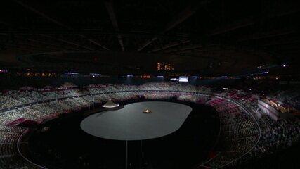 Cerimônia de abertura respeita um minuto de silêncio em homenagem às vítimas da Covid-19