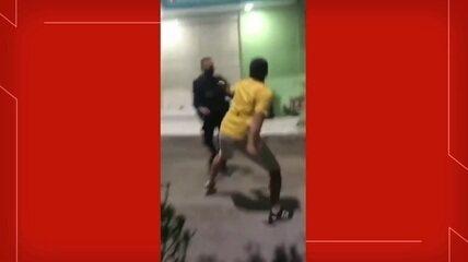Homem e policial entram em luta corporal durante ocorrência
