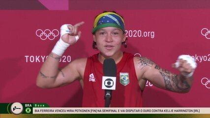 Bia Ferreira da entrevista após classificar para a disputa do ouro no boxe