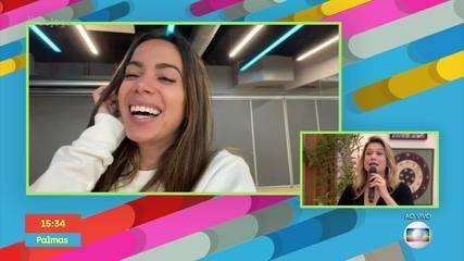 Fernanda Gentil conversa com Anitta