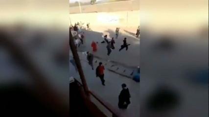 Vídeo mostra pessoas correndo enquanto tiros são ouvidos em Cabul