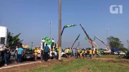 VÍDEO: Manifestantes fazem atos a favor de Bolsonaro em Vilhena, RO
