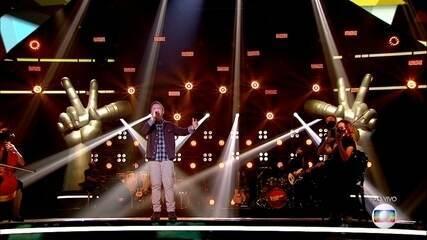 Gustavo Bardim canta 'Disparada'
