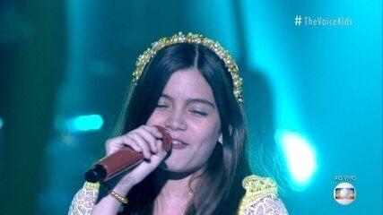 Laís Menezes canta 'Sabiá'