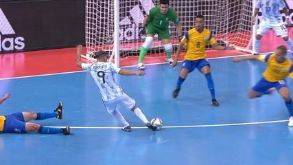Resumen: Brasil 1 x 2 Argentina en las semifinales del Mundial de Fútbol Sala 2021