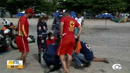 Homem passa mal e fica inconsciente durante caminhada na areia da praia da Pajuçara