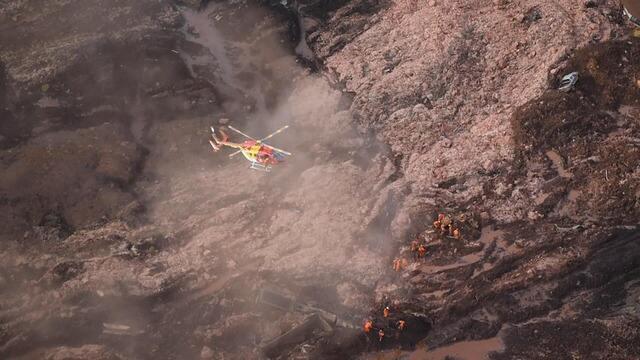 Uma barragem da mineradora Vale se rompeu no dia 25 de janeiro de 2019 em Brumadinho, na Região Metropolitana de Belo Horizonte. O fluxo de rejeitos liberados fez uma segunda barragem transbordar, agravando a situação. Um mar de lama destruiu as casas da região.
