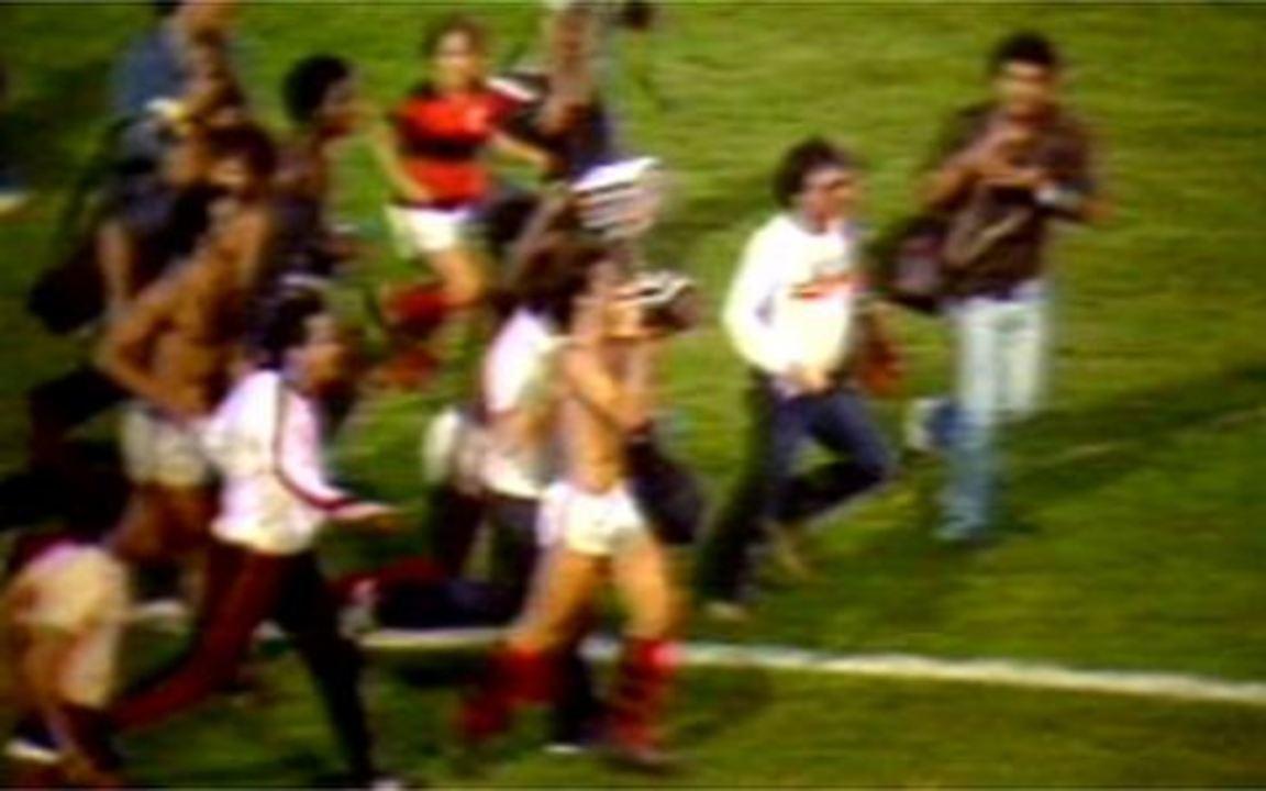 Em 1982, Flamengo vence o Grêmio e é campeão brasileiro