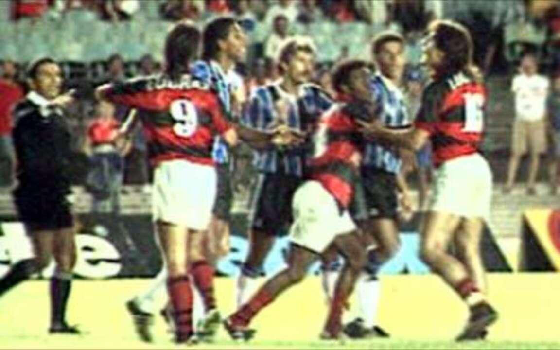 Em 1993, Flamengo vence Grêmio por 4 a 3 pela Copa do Brasil
