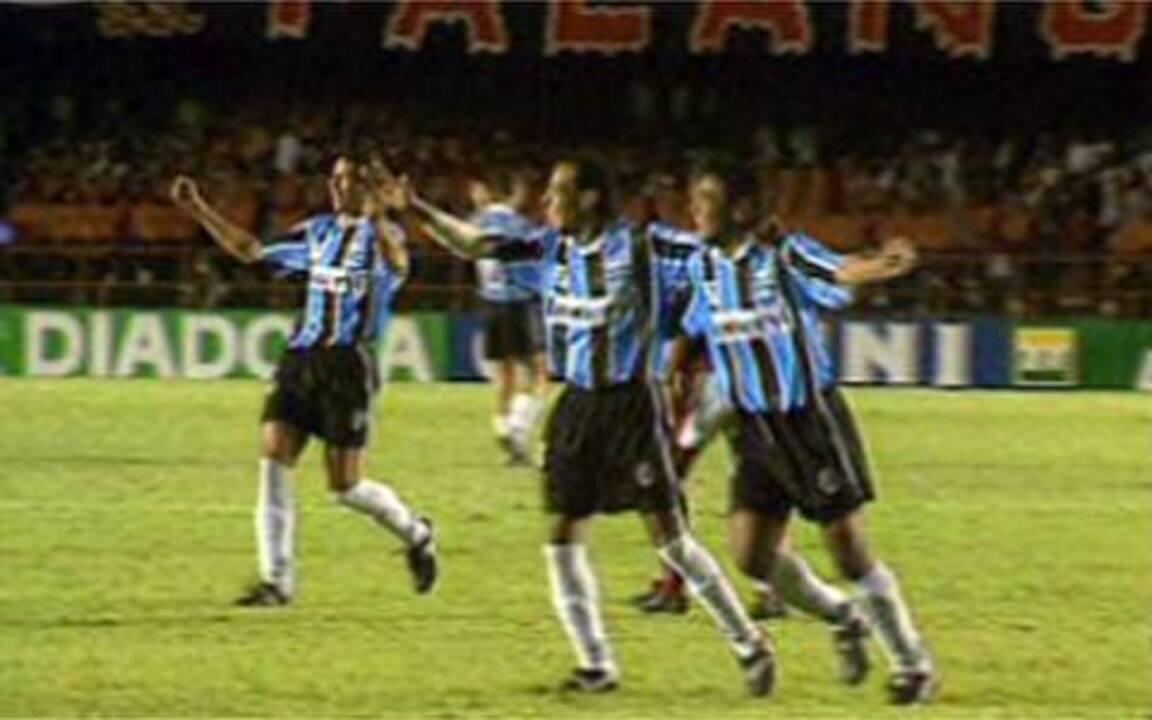 Em 1997, Grêmio empata com o Flamengo e é campeão da Copa do Brasil
