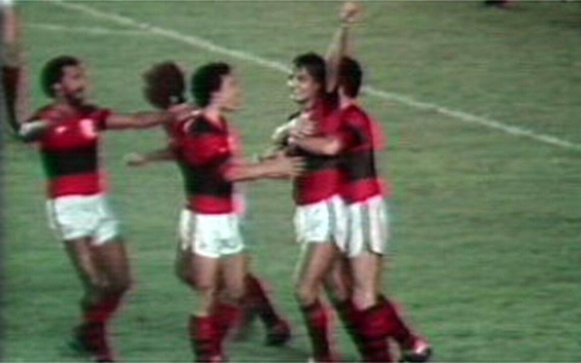 Em 1983, Flamengo vence o Santos e é campeão brasileiro