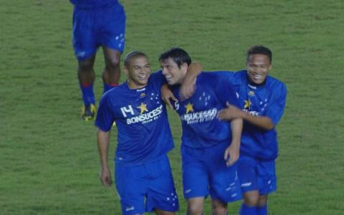 ed737b2153 Os gols de Flamengo 1 x 2 Cruzeiro pelo Brasileirão 2009