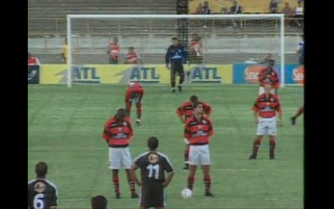 Em 2000, Vasco goleia o Flamengo por 5 a 1 na final da Taça Guanabara