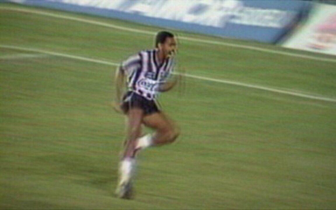 Em 1989, Botafogo derrota o Flamengo e conquista o Carioca