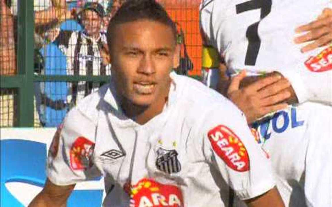 Gol do Santos! Após bela jogada, Neymar marca, aos 07 do 1º tempo