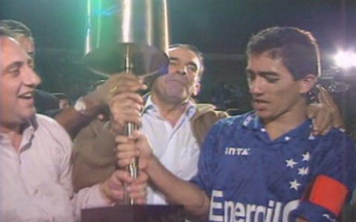 Em 1996, Cruzeiro vira sobre o Palmeiras e conquista a Copa do Brasil
