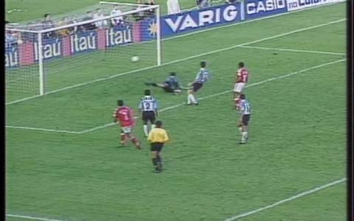 Em 1997, Internacional vence o Grêmio por 5 a 2 pelo Campeonato Brasileiro