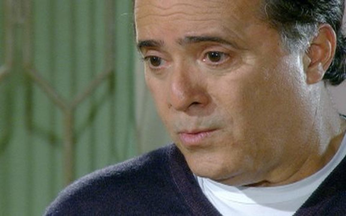 Passione - capítulo de sexta feira, dia 15/10/2010, na íntegra - Totó confessa para Felícia que não consegue esquecer Clara
