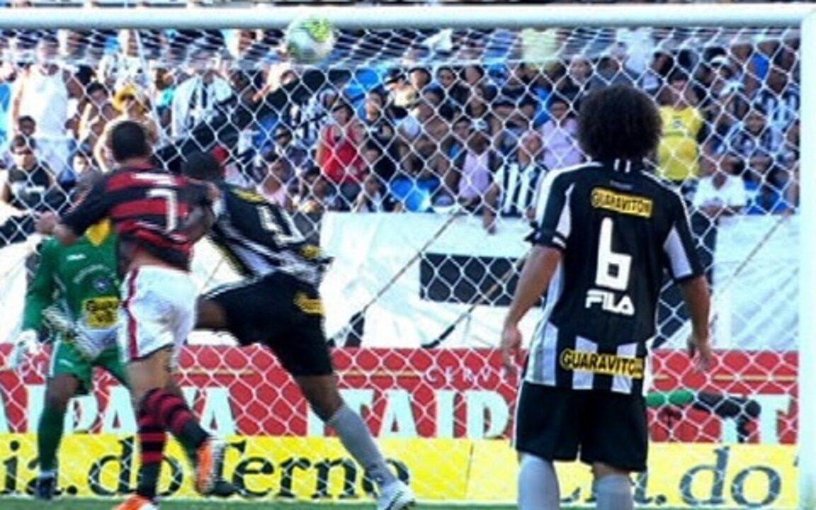 Melhores momentos de Flamengo 1 (3) x (1) 1 Botafogo pelo Carioca 2011