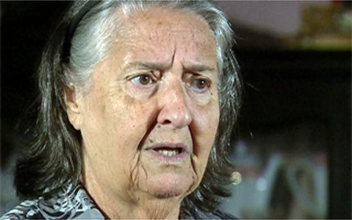 Ti Ti Ti - capítulo de sexta-feira, 25/02/2011, na íntegra - Dona Mocinha reconhece Cecília e confirma que o filho dela se chamava André.