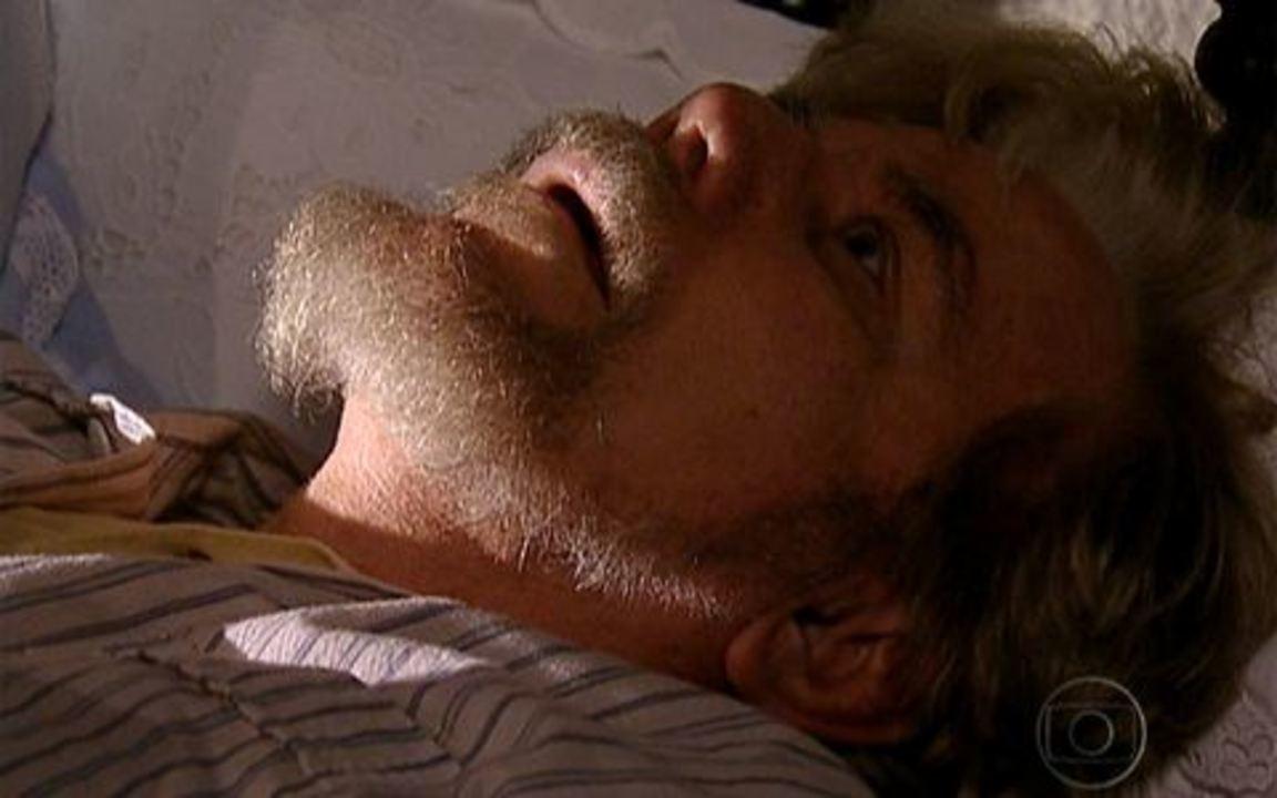 Capítulo de 02/05/2011 - Timóteo teme Herculano e Januário implora pela vida do filho. Nidinho ajuda um homem misterioso. Felipe vê Açucena mas Virtuosa consegue escondê-la. Coronel Januário morre.