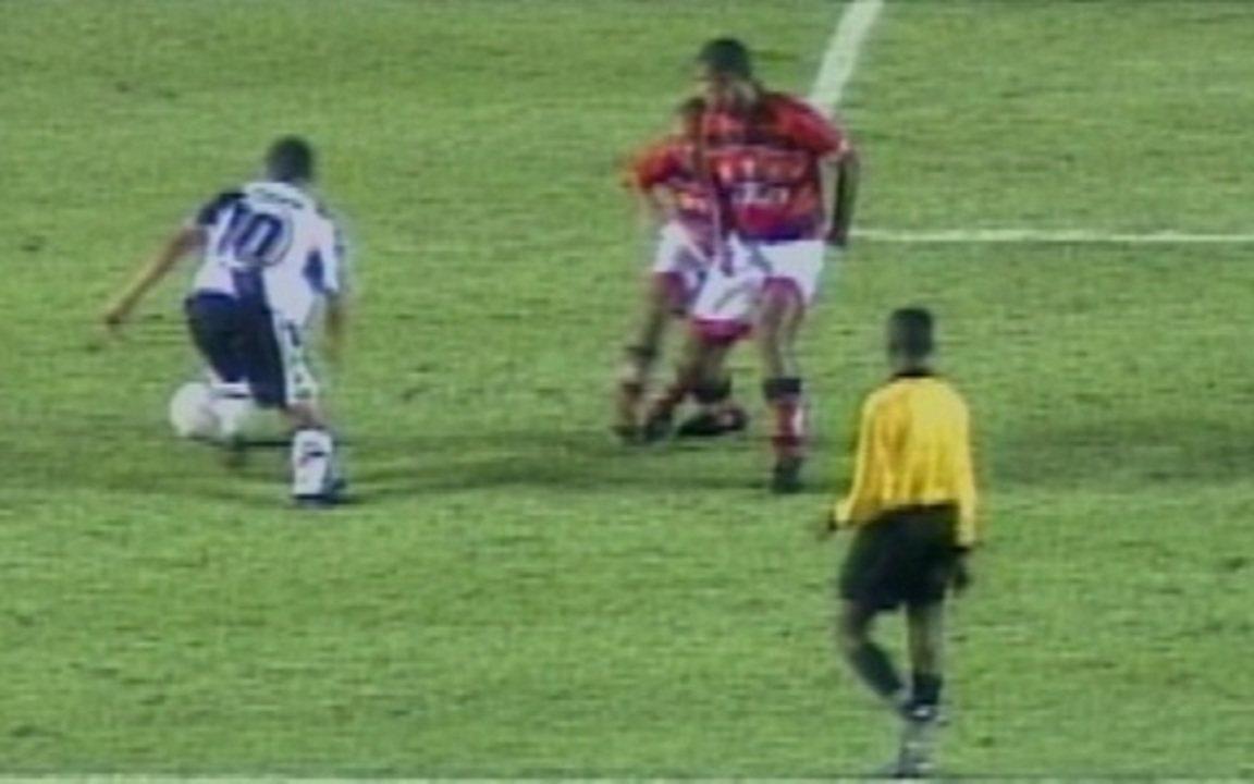 Em 1997, Vasco vence o Flamengo por 4 a 1 pelo Campeonato Brasileiro