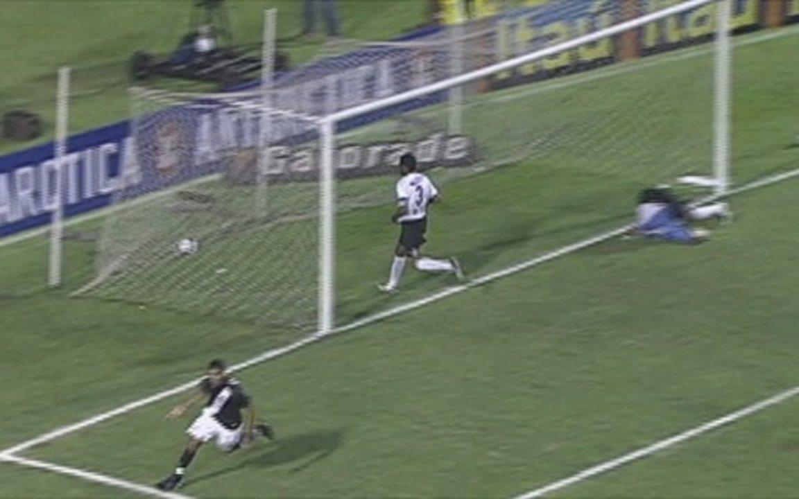 Em 2007, Vasco vence por 1 a 0 Corinthians pelo Campeonato Brasileiro