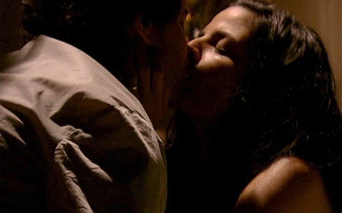 Capítulo de 12/08/2011 - Florinda passa a noite com Petrus