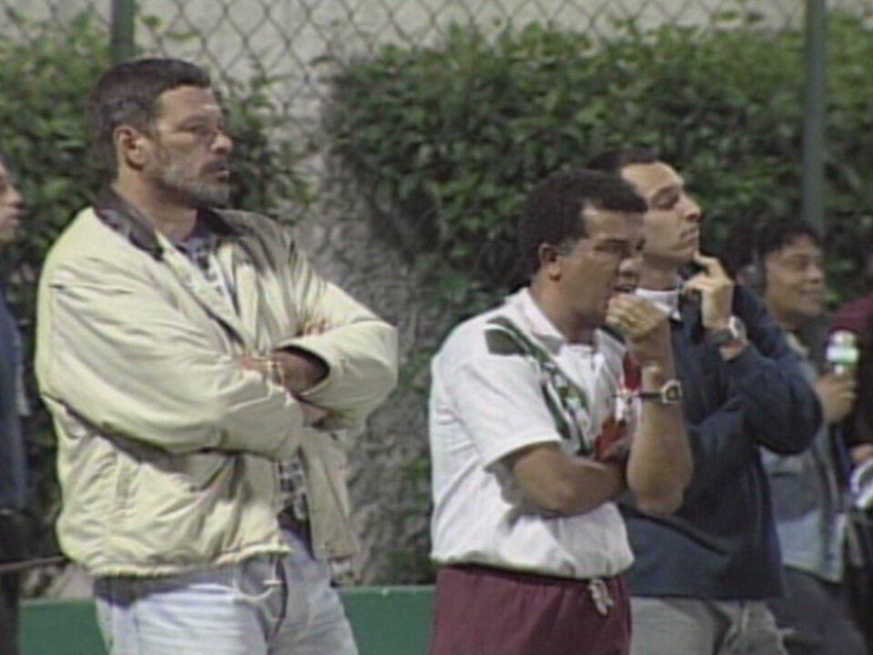 Em 1999, Sócrates estreia como técnico do Cabo Frio; recorde