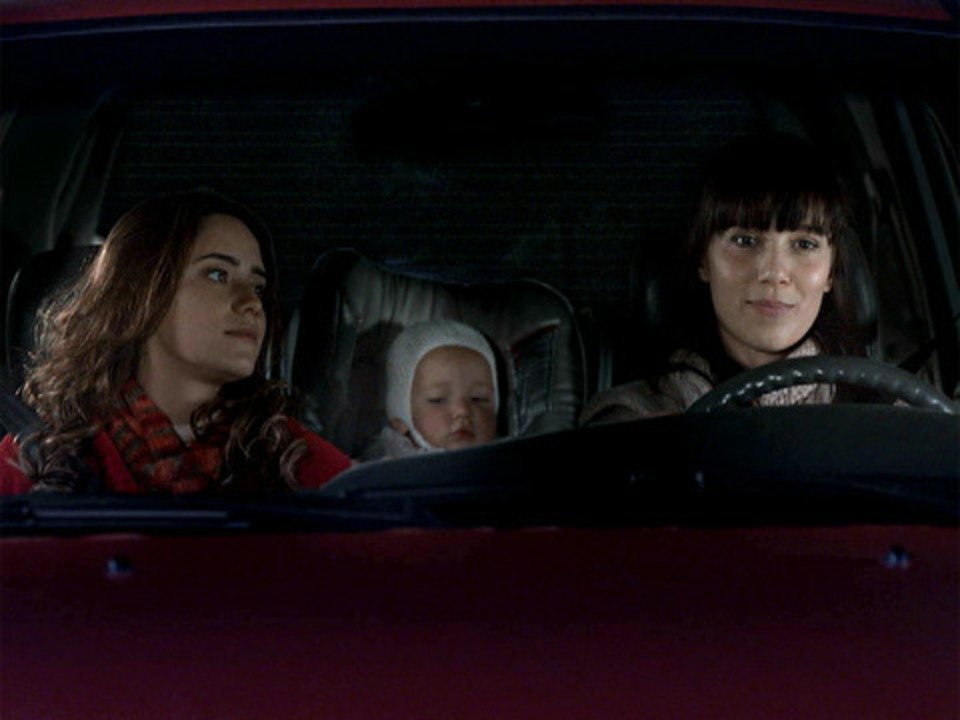 A Vida da Gente - Capítulo de terça-feira, 11/10/2011, na íntegra - Manuela, Ana e Júlia sofrem acidente de carro