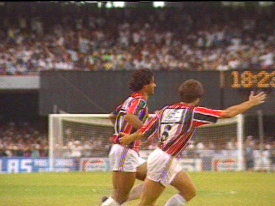 Em 1991, São Paulo vence o Corinthians por 3 a 0 pelo Campeonato Paulista