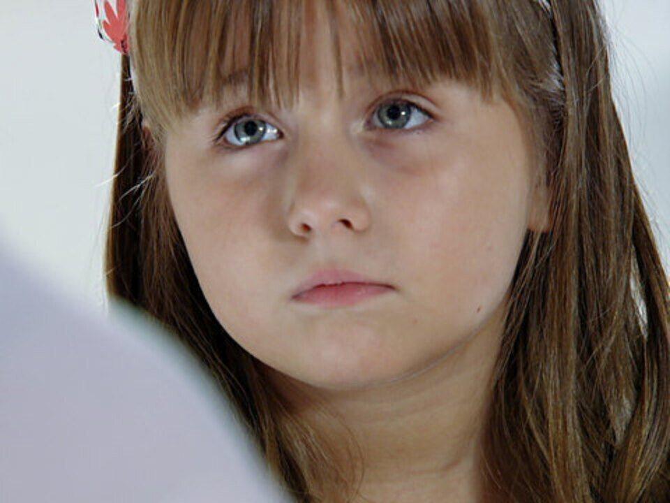 A Vida da Gente - Capítulo de sábado, dia 03/12/2011, na íntegra - Júlia fica tímida com a presença de Ana