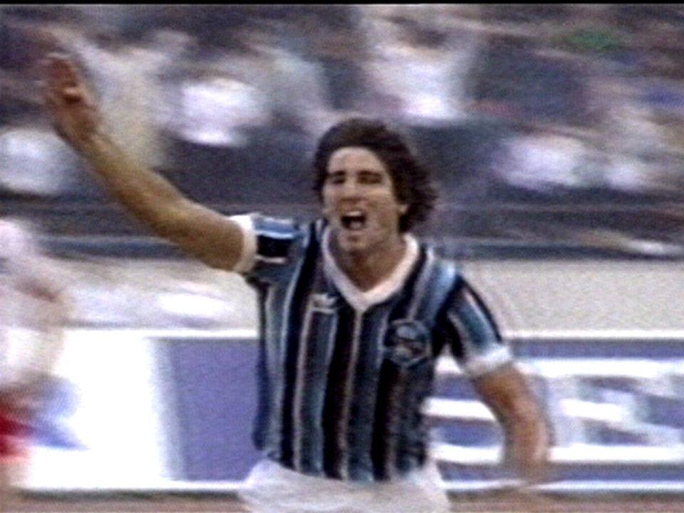 Em 1983, Grêmio vence Hamburgo por 2 a 1 pelo Mundial Interclubes